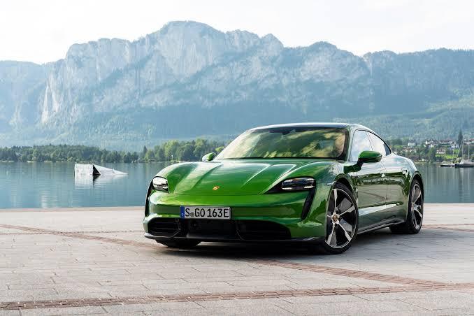 Mobil Tesla 3: Apa Sih Keunggulannya Dibanding Mobil ListrikLainnya?